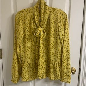 New with tags yellow print top multiple sizes